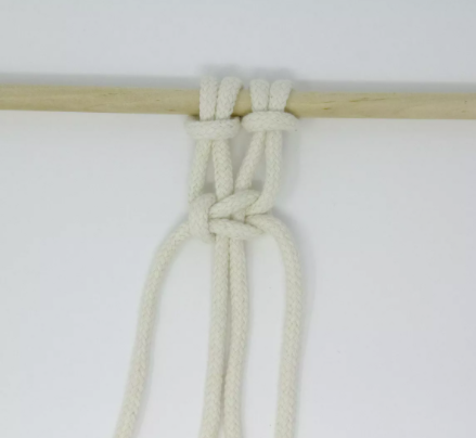 Left Facing Sqaure Knot