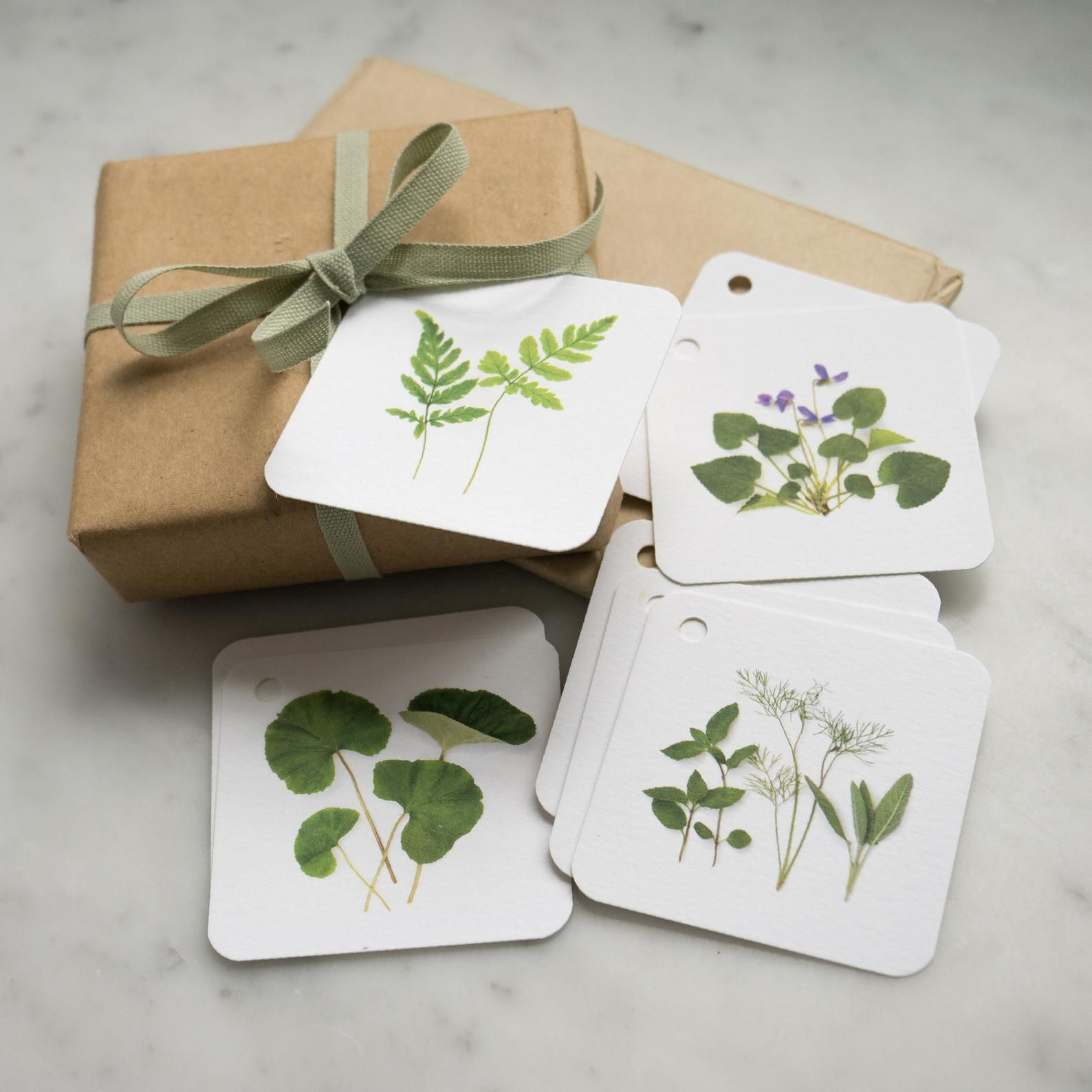 Pressed Flower Gift Tag