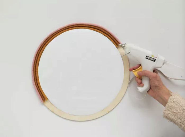 Glue Wrapped Rope Onto Mirror